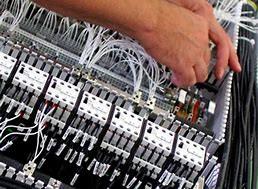Comissionamento de painéis elétricos